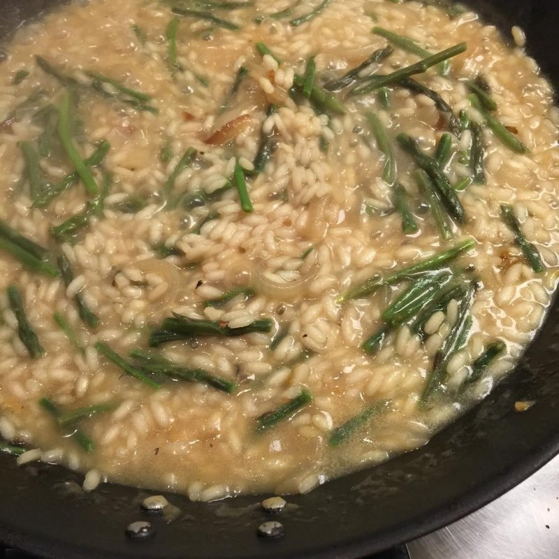 Wild asparagus risotto for supper last night, thanks to our very own Euall Gibbons, @freewilliam3d