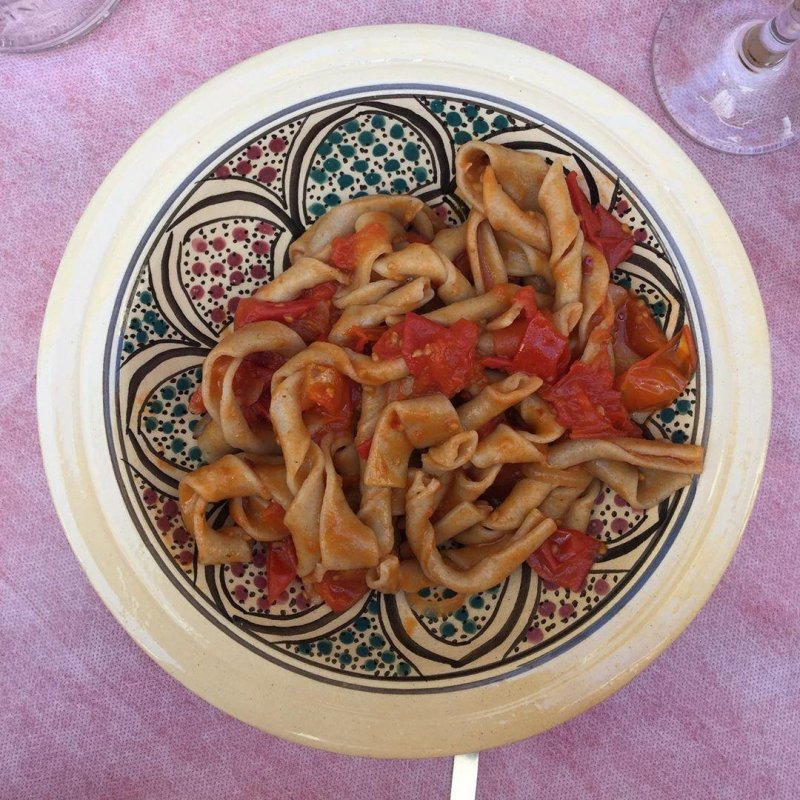 Followed by sagna ritorta com pomodori schiattarisciatti. The sagna is a barley pasta, retwisted. Delicious with a bit of that slippery barley mouthfeel. The pomodori, I have no idea except that they were delicious.